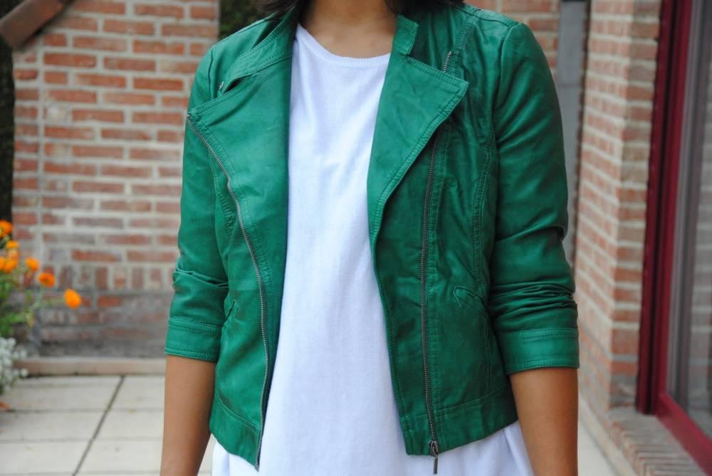 С чем носить зеленую куртку? Полезные рекомендации