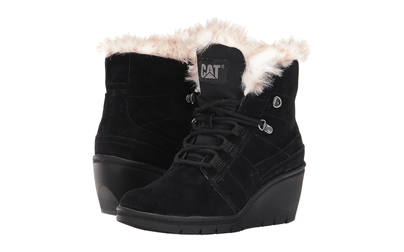 Название произошло от наименования бренда Timberland, так как именно эта  торговая марка начала выпуск практичных и непромокаемых ботинок в стиле  униисекс. 4f5d3158384