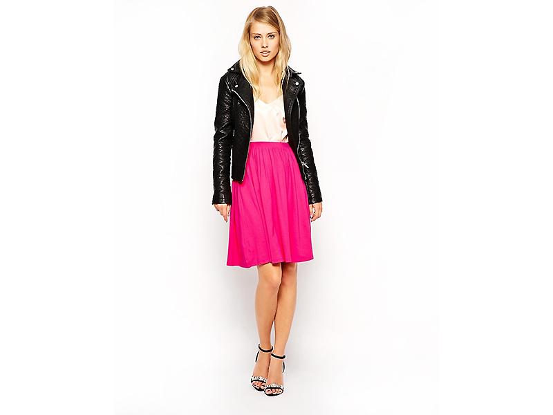 Модная розовая юбка