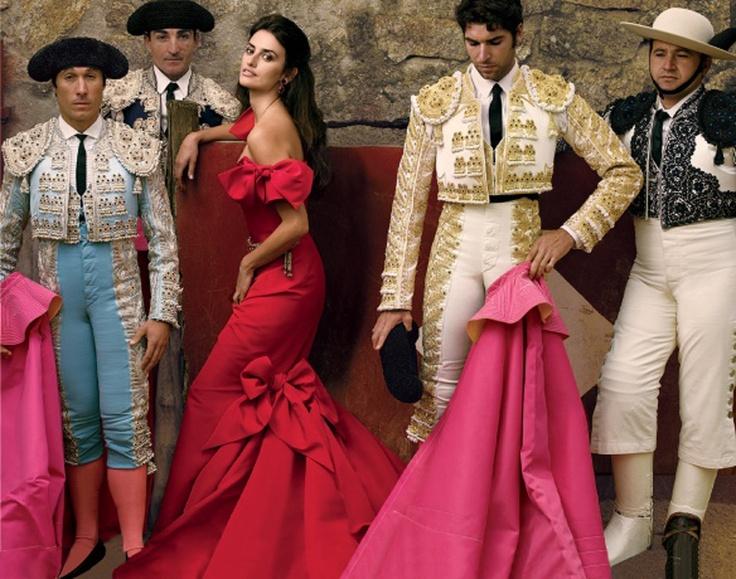Девушка в испанской одежде