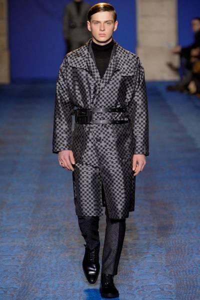 С чем носить пальто драповое
