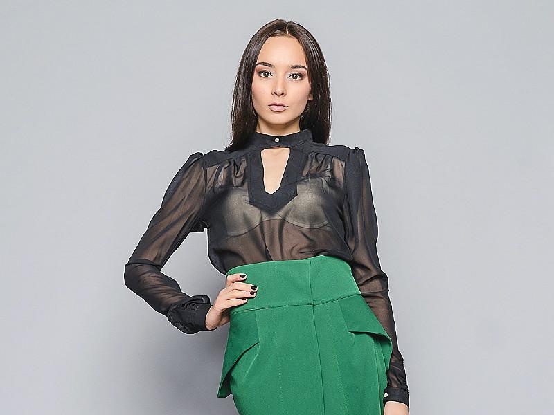 Актуальным остается вопрос  какая прозрачная блузка сегодня в моде  С какой  одеждой и бюстгальтером ее носить  Ответы на все вопросы вы найдете в нашей  ... 9e782ae536d