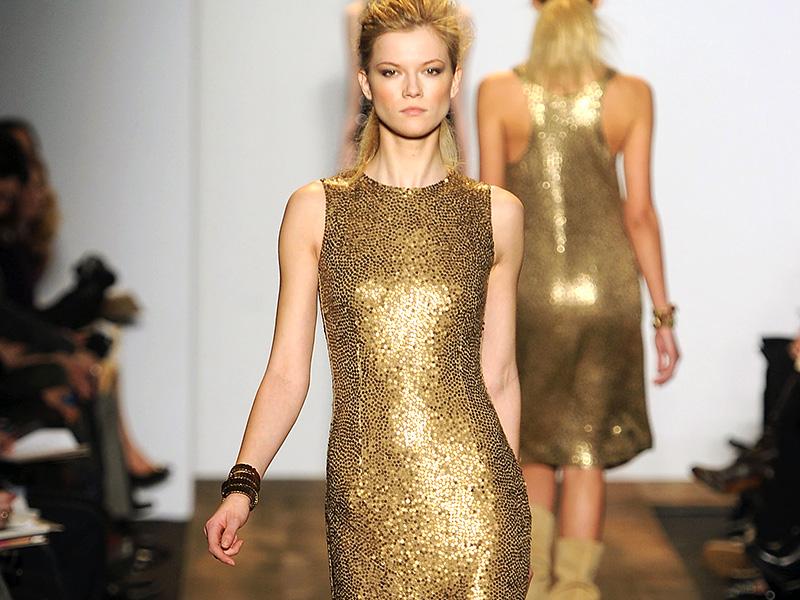 Платье золотистое фото