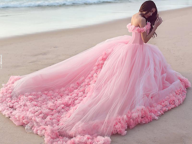 Платье-облако выбор самых нежных и женственных леди, Мода от