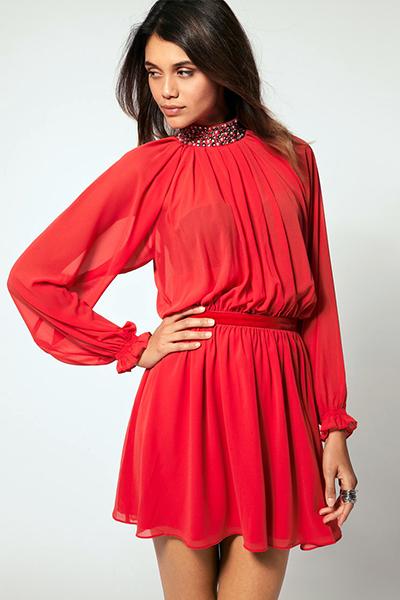 Выбирать цвет ногтей под красное платье следует учитывать веяния  современной моды 02e25f1b92ec7