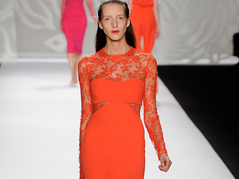 Оранжевое платье
