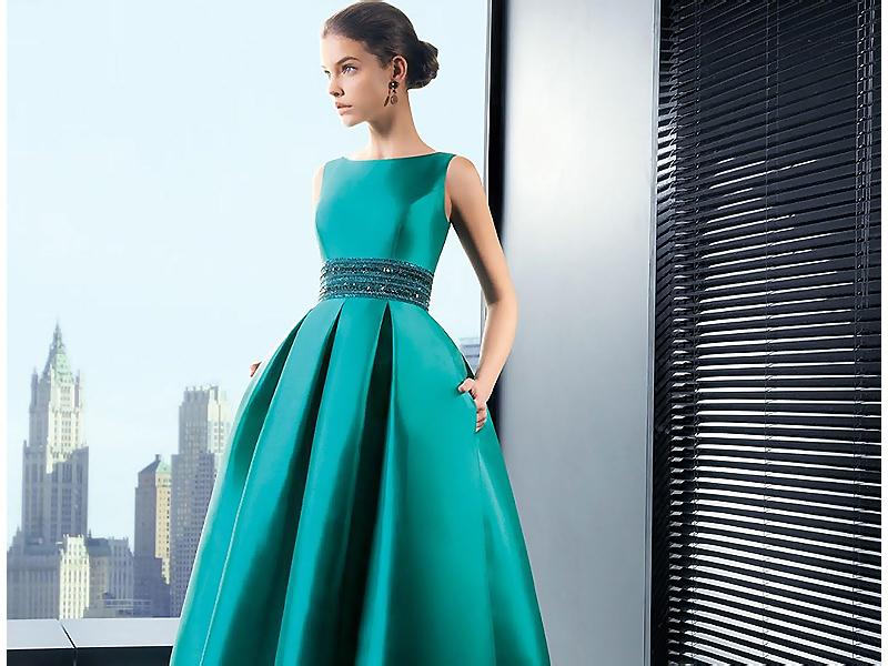 Необычное зеленое платье