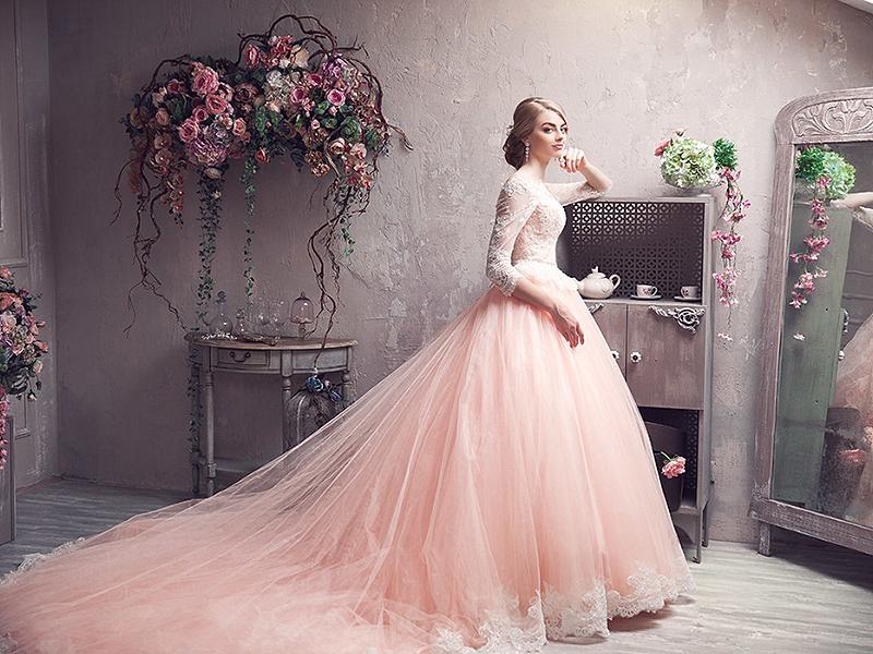 Фото свадебных розовых платьев