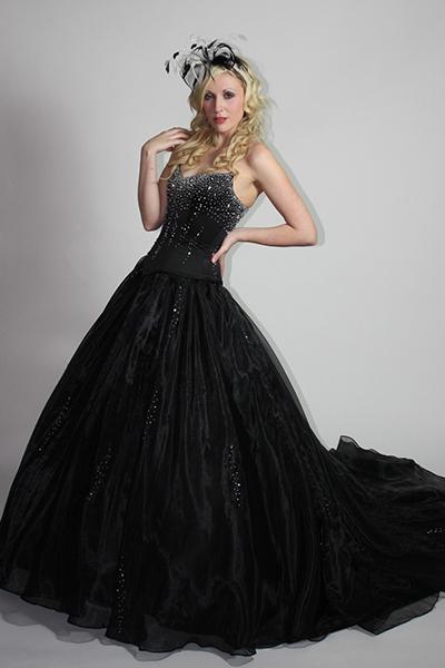 С чем носить платье в горох красного синего черного и других цветов