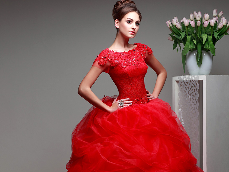 Корсетное платье красное