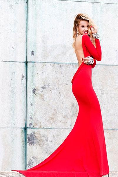 Платье в пол с открытой спиной фото и длинными рукавами