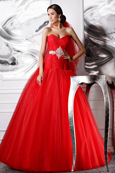 Красное платье для невесты