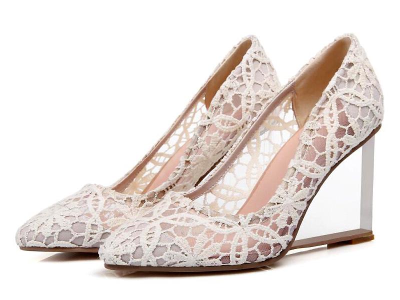 Свадебные туфли на танкетке: все особенности выбора