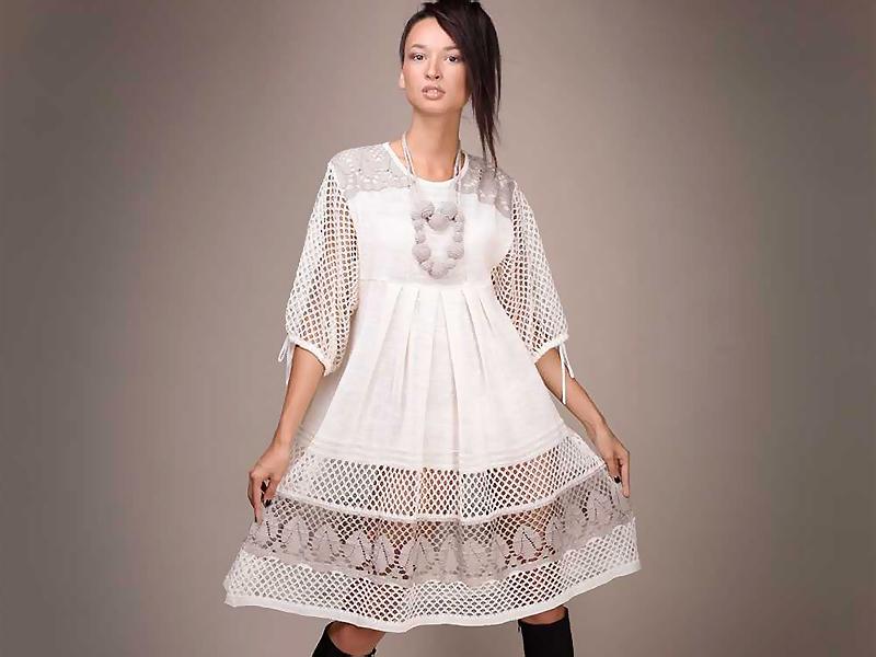 Льняное платье украшения