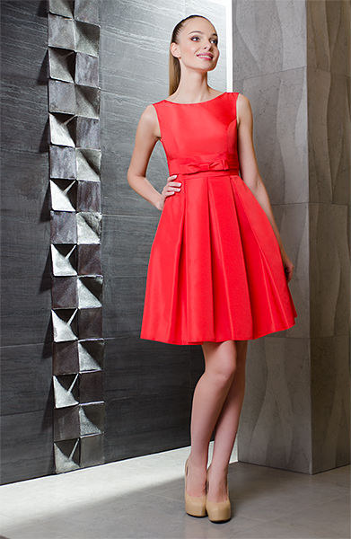 Вечерние платья со складка