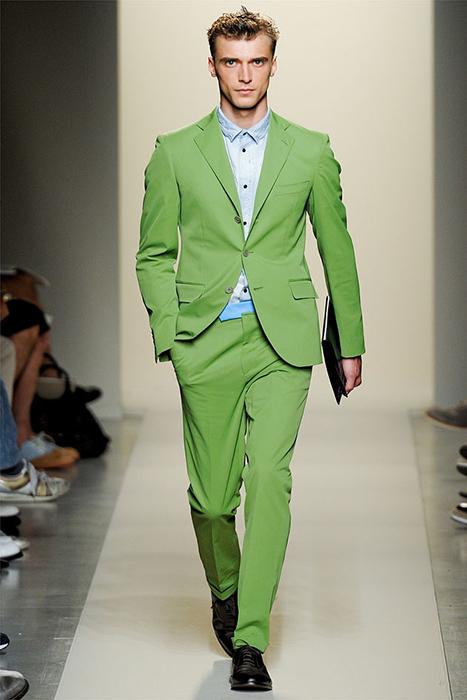 9461a0601 Зеленый мужской костюм (25 фото): модели, с чем носить, как выбрать ...