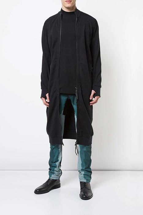 fb0bdbc10efc Модели из голубого денима с отложным воротником или капюшоном дополнят  молодежный образ. Длинные джинсовые кардиганы могут походить на пальто или  пыльники.