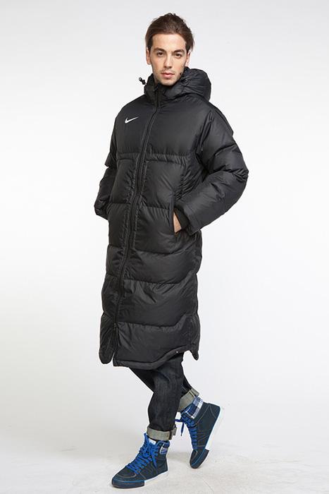 82e7b793 Тогда обратите внимание на зимние мужские куртки Nike. Любителям  спортивного стиля в одежде изделия американского бренда нравятся больше  других.