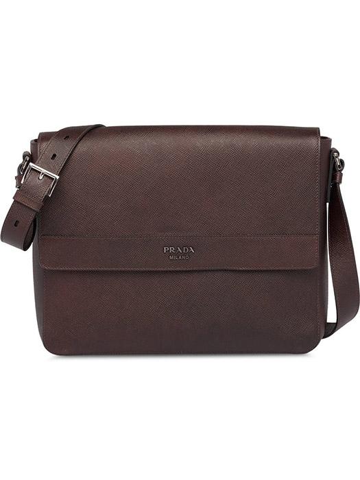 30acc8560464 Нельзя не отметить и прекрасный внешний вид кожаных изделий. Изделие,  выполненное в минималистичном дизайне, выглядит так же презентабельно, как  и дорогая ...
