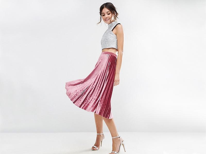 53bfb796f64 В последнее время произошли кардинальные изменения в модном мире и такая  вещь как бархатная юбка начала свое триумфальное шествие по подиумам.