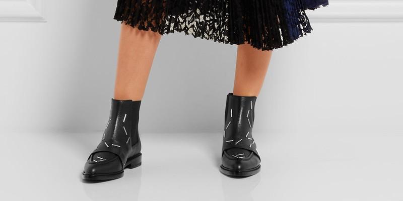 7de18d383cb Осенние и зимние образцы позволяют создавать шикарные луки и комбинировать  обувь с любой одеждой. Превосходный тандем — юбка с ботинками позволит  привлечь к ...