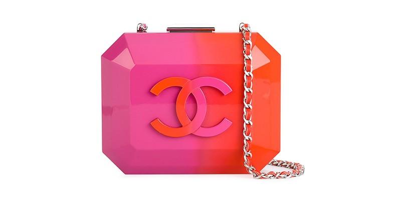 a6d4b4324172 Изысканный и стильный аксессуар – клатч Шанель. Практически каждая модница,  еще не купившая себе такую сумочку, мечтает ею обзавестись.