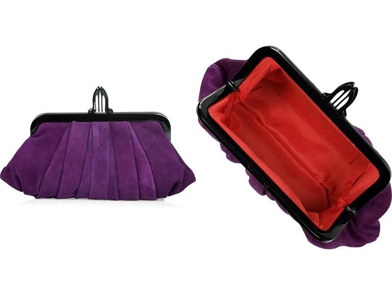 6a9102a48b81 Дизайнерский. В продаже можно увидеть клатчи из замши самых разнообразных  форм, в том числе и очень необычных. Наибольшей популярностью пользуются  сумочки в ...