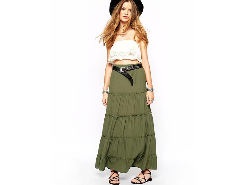 26145510 Многоярусные юбки создают женственный стиль