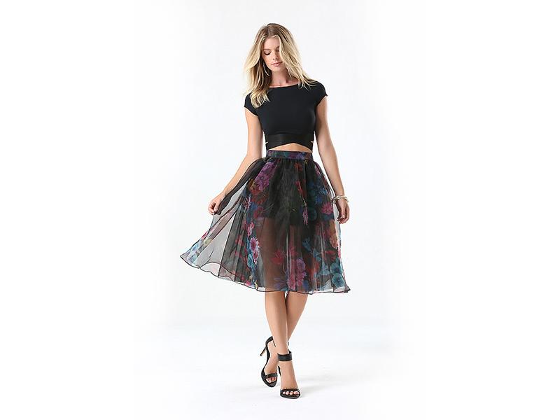 3d91f8aa9e4 Черная юбка из фатина  создаст необычный образ