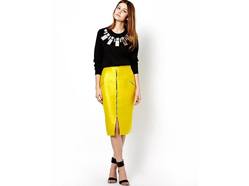 cfd8e230594 В этой связи интересно выглядит желтая юбка-карандаш. Изделия подобного  рода могут себе позволить женщины любого возраста и с любой фигурой.