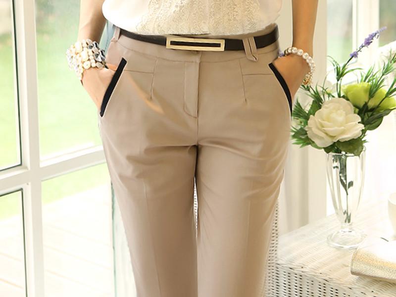 Трендовые образы с бежевыми брюками и джинсами