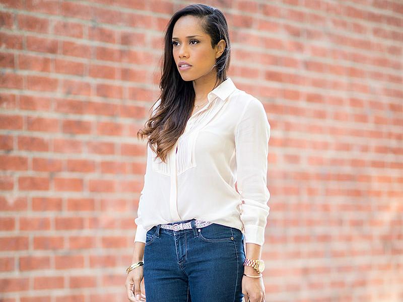 888ca128c1b Блузка с джинсами – классическое сочетание для стильных и модных ...
