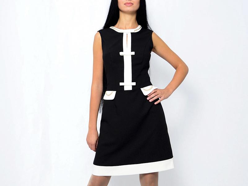 eb670900241 Ее создает уникальное черное платье в стиле Шанель. Изящное и стильное  платье от Коко является истинным шедевром моды прошлого. И даже спустя  много лет