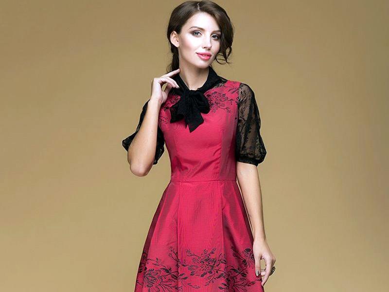 c9b768d0bf5 Привлекательные платья с кружевными вставками – это нарядные роскошные  изделия