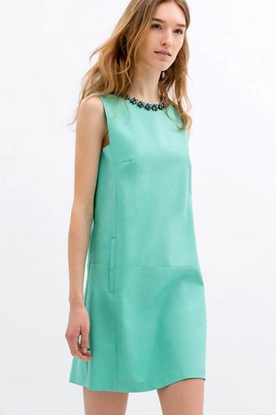 f4a6b5aae03 Платья прямого кроя – самые популярные модели