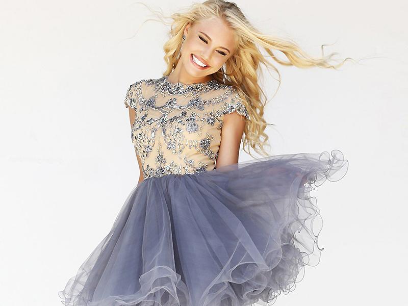 d5fa865e66f Платье из фатина – оригинальный наряд в повседневном образе