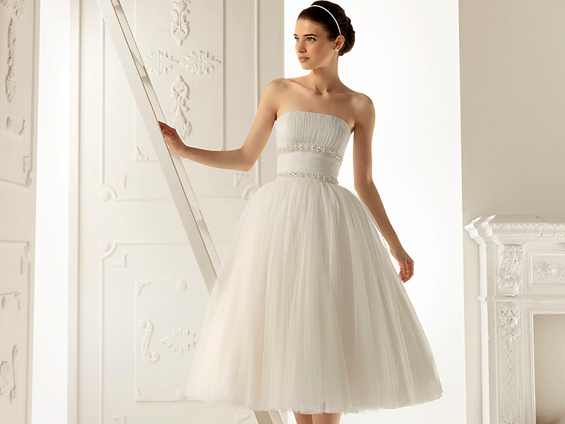 22b1fc4408d95ba Свадебные платья для невысоких девушек: лучшие модели сезона | Мода ...