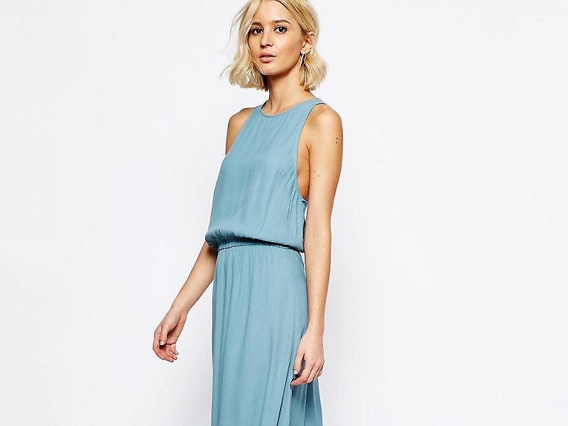 89c8d42f5c6 Голубое платье в пол – это красивая одежда для каждодневного и вечернего  выхода. Оно уместно для прогулки