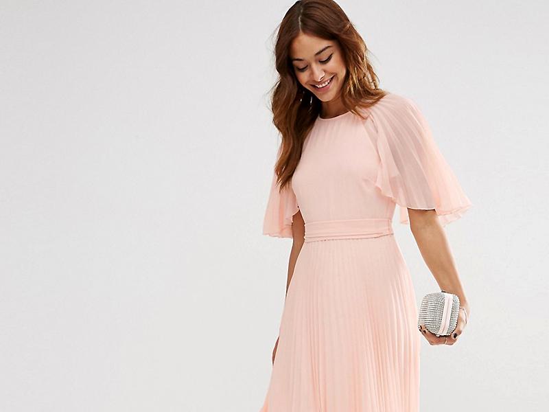 3ed4dc4060c Приобрести розовое платье в пол можно не только для торжественного выхода,  но и для создания дневных повседневных образов.
