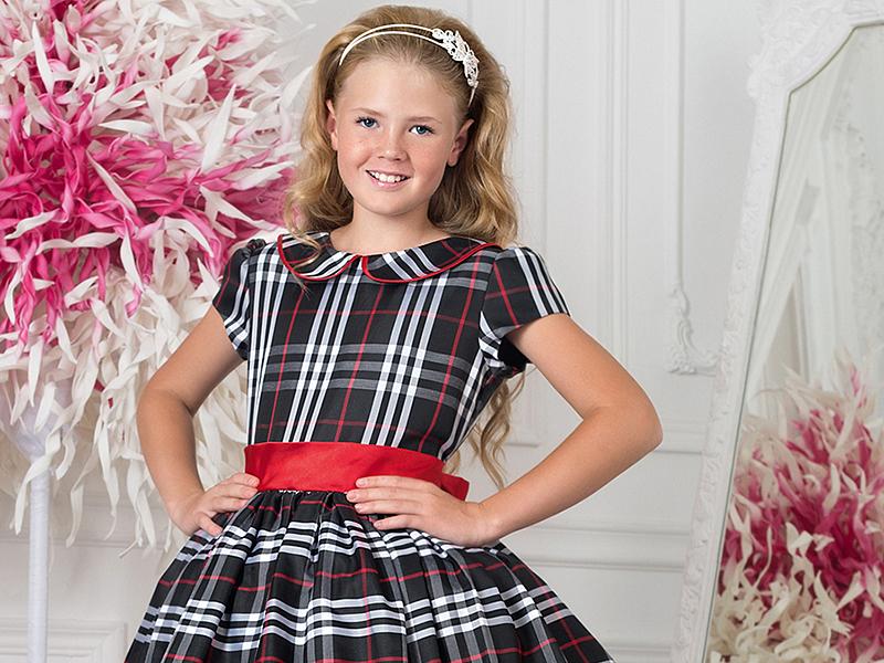 a645f6aa104e Фото платьев для девочек, сшитых из клетчатых тканей, наверняка понравятся  и самим девочкам, и их мамам. Фасоны нарядов выбирать нужно с учетом  возраста ...