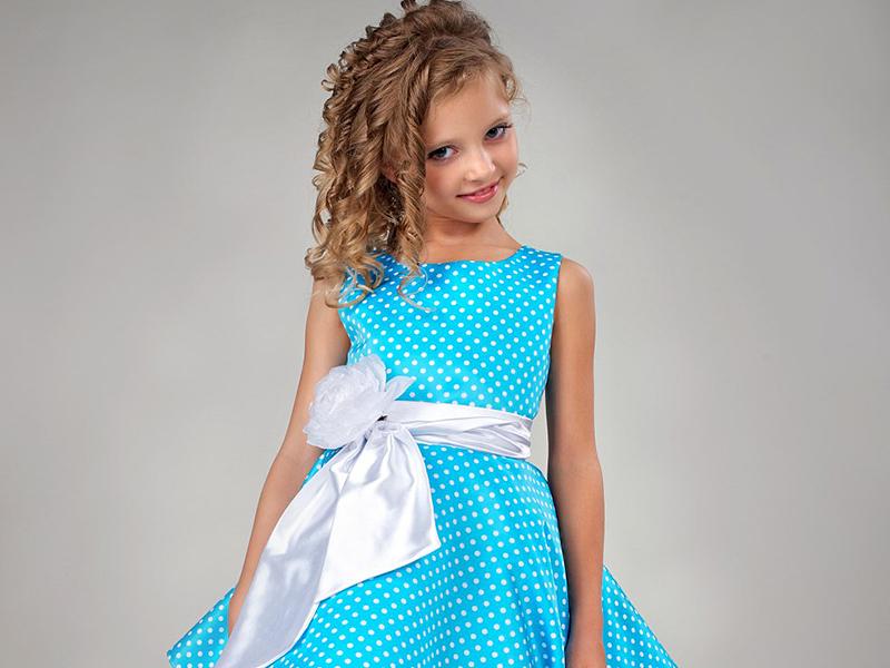 cf62259eba2 ... создать платье в горошек для девочек. И благодаря стараниям детских  дизайнеров этот яркий предмет гардероба превратился в один из универсальных  нарядов